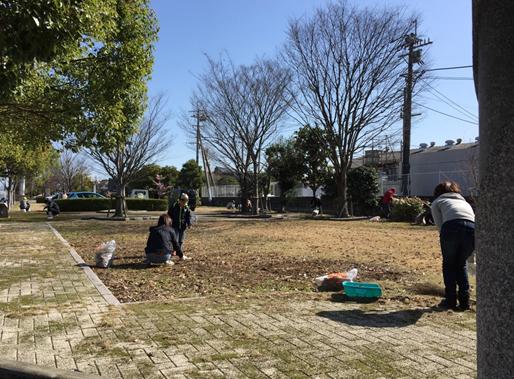 瀬高駅裏広場清掃